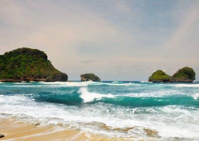Pantai Gua Cina