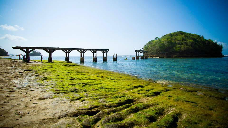 20 Wisata Pantai Malang yang Wajib Dikunjungi