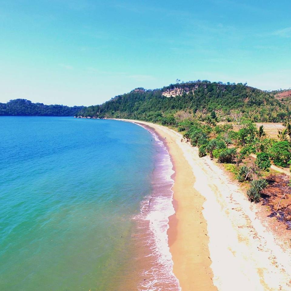 Hasil gambar untuk Pantai Tamban