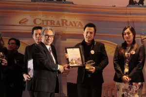 Budiarsa with Top Sales 2015